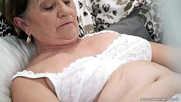 Hairy young whore dildoing her pussy and sucks cock